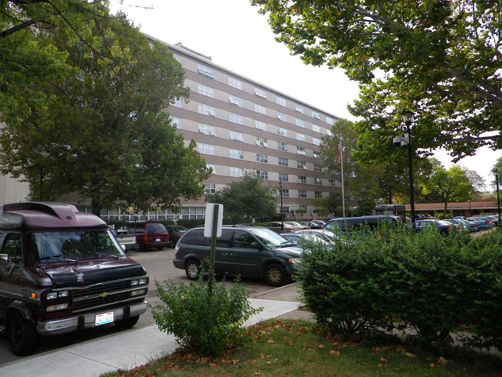 Park Manor apartment building